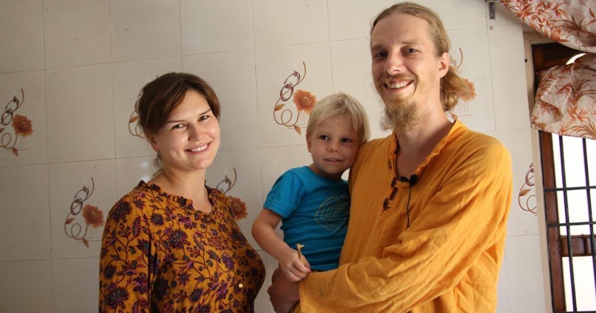 http://www.meranews.com/backend/main_imgs/russianindwarka_atithi-devo-bhava-khambhaliya-russian-couple-pregnant-wom_0.jpg?58