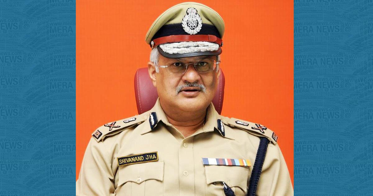 http://www.meranews.com/backend/main_imgs/shivandajha_dgp-writes-to-ahmedabad-cp-orders-continuous-raids-on-liquo_0.jpg?43