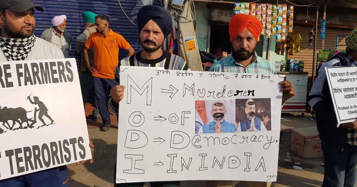 http://www.meranews.com/backend/main_imgs/sindhuborder1_delhi-haryana-farmers-protest-tushar-basia-bhavesh-baria_0.jpg?4