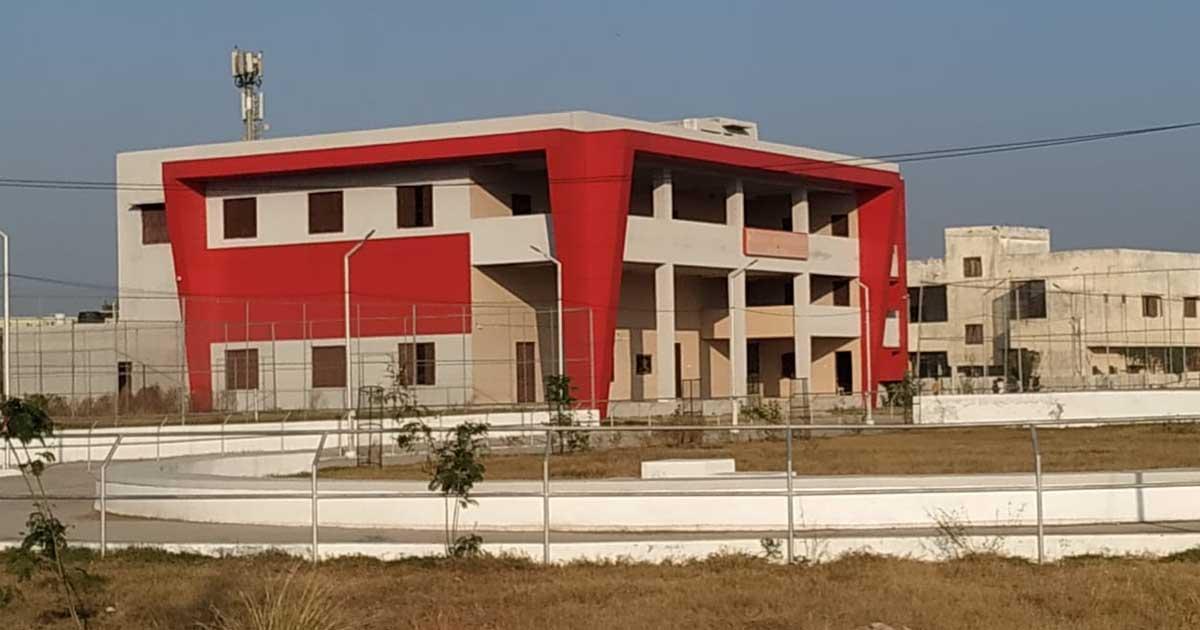 http://www.meranews.com/backend/main_imgs/sportssankulAravalli_aravalli-sports-sankul-sports-grant-gujarat-government-game_4.jpg?25