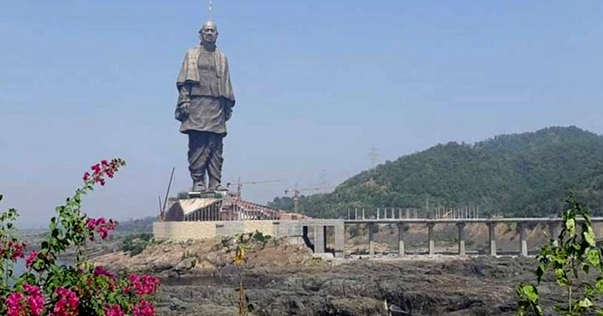 http://www.meranews.com/backend/main_imgs/statue-of-unity_gujarat-tribal-will-protest-against-pm-modi-on-the-31st-oct_0.jpg?9