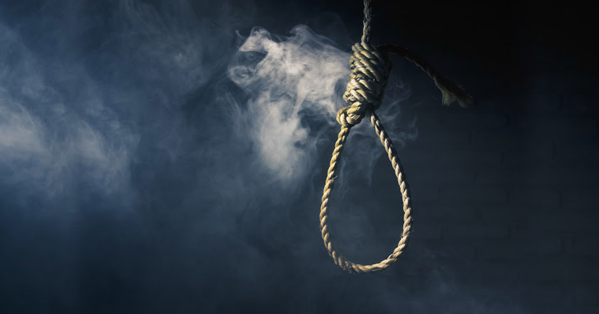 http://www.meranews.com/backend/main_imgs/suicidehanging_jamnagar-transporter-commits-suicide-after-failure-to-recov_0.jpg?3