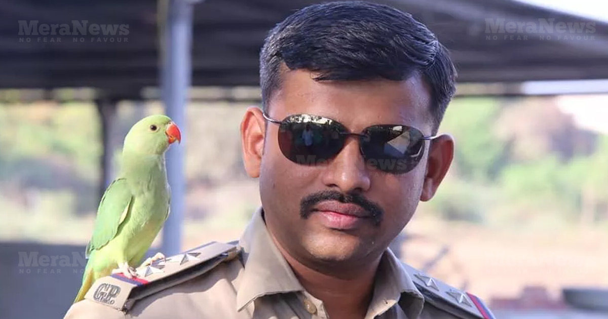 http://www.meranews.com/backend/main_imgs/surat-police-cake_surat-psi-celebrated-his-birthday-in-public-even-prohibited_0.jpg?99
