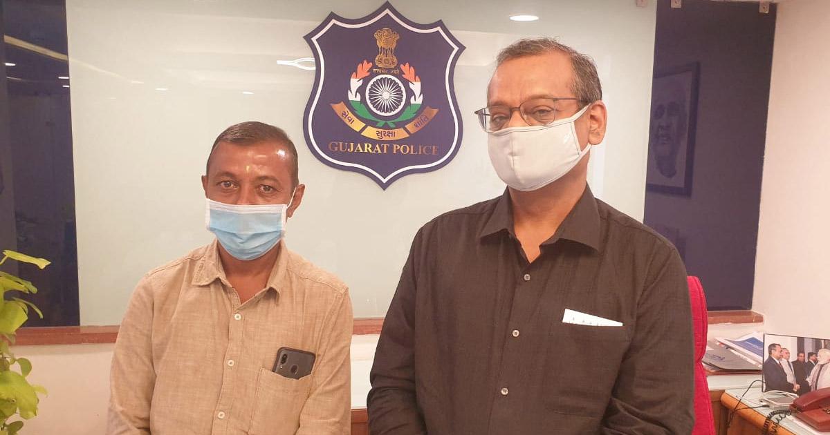 http://www.meranews.com/backend/main_imgs/surat-police_surat-land-mafia-dgp-ashish-bhatia-gujarat-police-crime_0.jpg?82