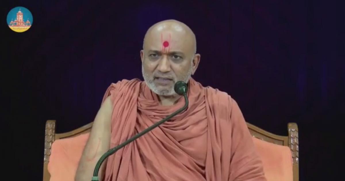http://www.meranews.com/backend/main_imgs/swaminarayan_how-gaupalak-can-be-a-lord-krishna-swaminarayan-priests-co_0.jpg?91