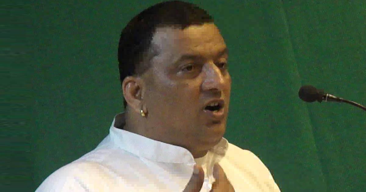 http://www.meranews.com/backend/main_imgs/swamy_swami-dharmbandhu-says-on-prasala-fire_0.jpg?26?26