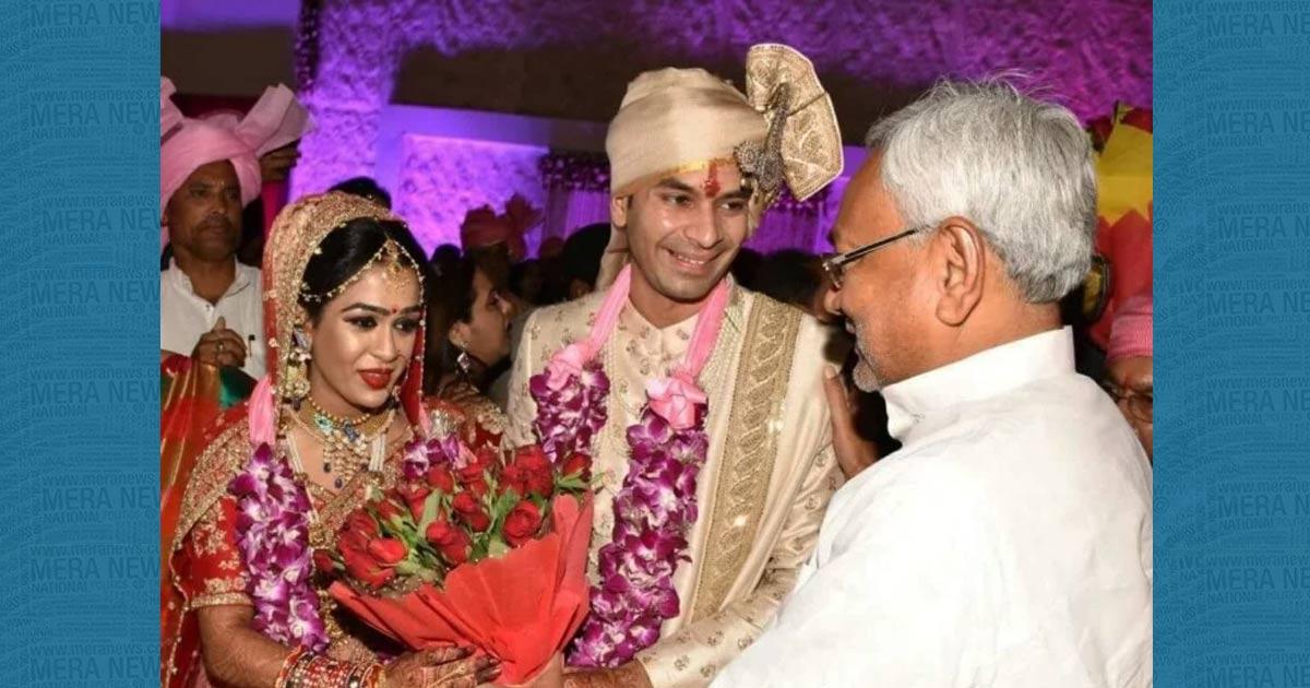 http://www.meranews.com/backend/main_imgs/tejpratap_bihar-tej-pratap-yadav-tied-knot-with-aishwarya_0.jpg?16