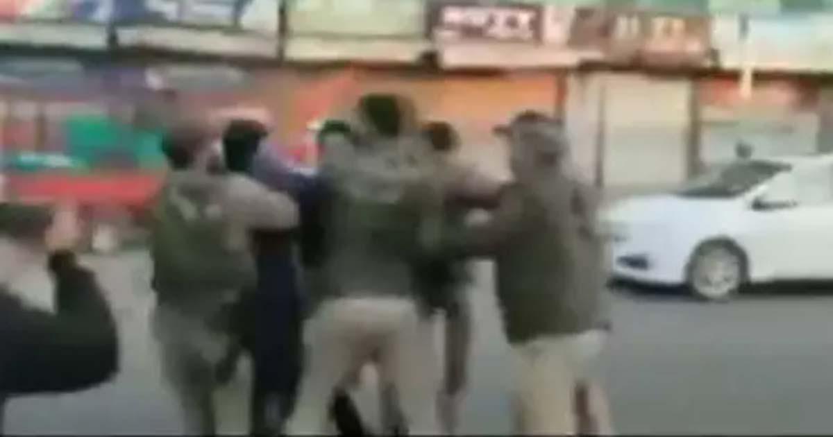 http://www.meranews.com/backend/main_imgs/triranga_srinagar-lal-chowk-triranga-bjp-kashmir-police-police_0.jpg?43