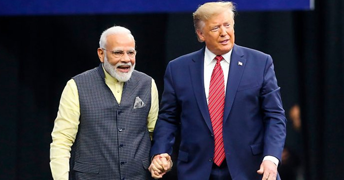 http://www.meranews.com/backend/main_imgs/trump-modi_donald-trump-visit-to-india-on-24-february-business-modi_0.jpg?72