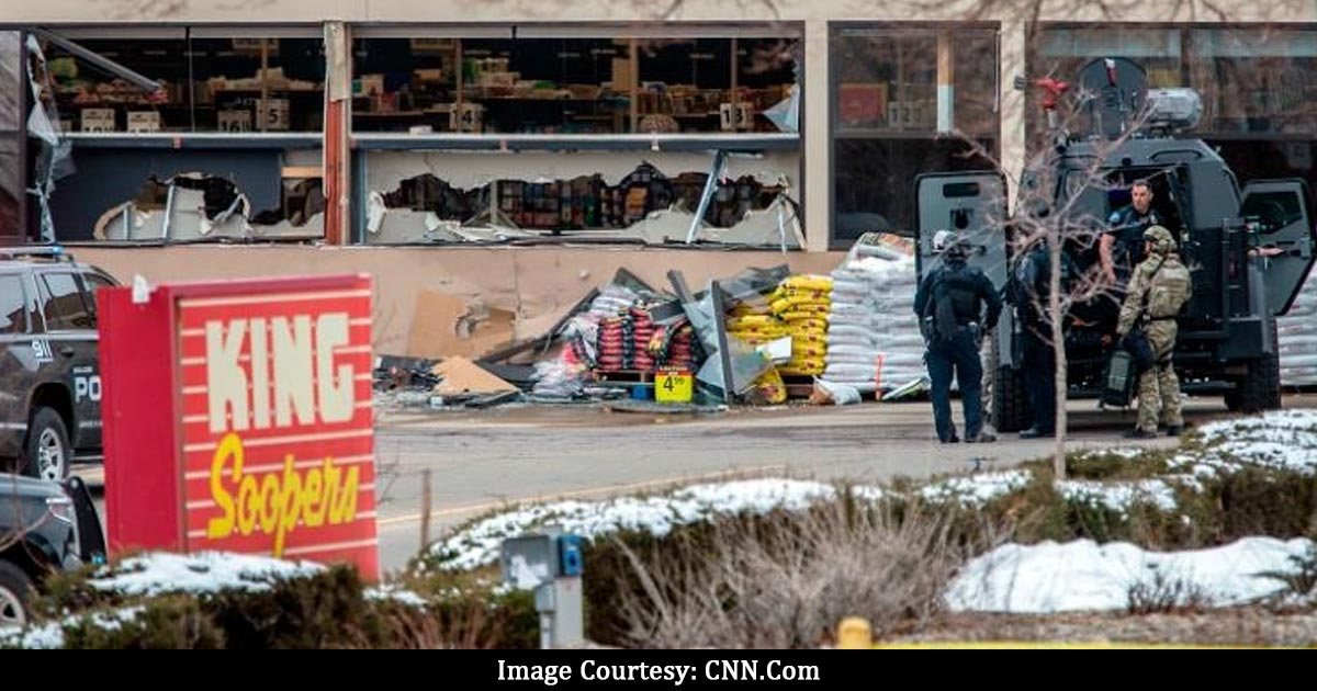 http://www.meranews.com/backend/main_imgs/us3_firing-at-a-supermarket-in-colorado-usa_1.jpg?79