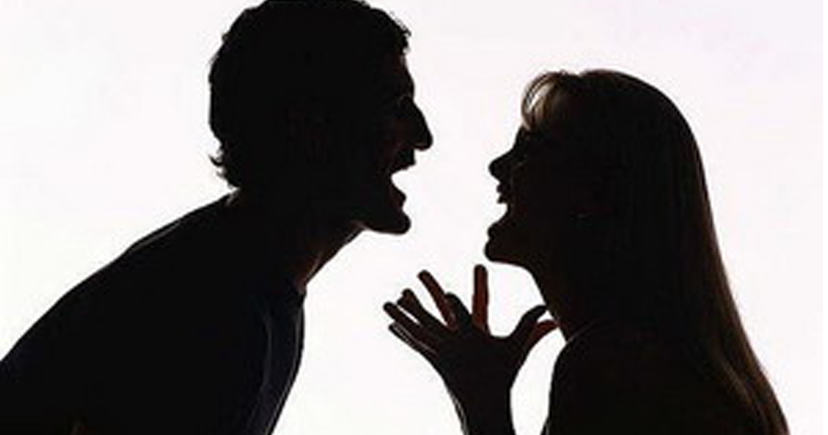 http://www.meranews.com/backend/main_imgs/women-attack_wife-attacks-husband-in-gondal_0.jpg?73